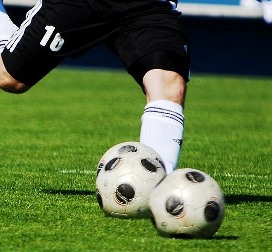 Fotopás: borec kola, fotbal, fotbalový míč