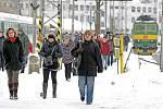 Napadaný sníh ztěžuje život v Hradci (2. prosince 2010).