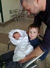 VOJTĚCH HUBÁČEK se narodil 16. března ve 21.45 hodin. Vážil  3090 g a měřil 49 cm. Udělal radost svým rodičům Markétě Pazderové a Jiřímu Hubáčkovi i staršímu bráškovi Samuelovi.