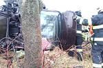 Havárie osobního automobilu u Všestar.