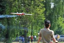 Letecké modely v Hradci 9. května.