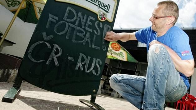 Také v hospodách a restauracích se žije mistrovstvím Evropy ve fotbale.