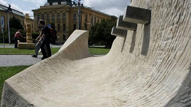 Unikátní výstava soch pocházejících z Hořického symposia byla v Hradci Králové 26. července slavnostně zahájena.