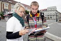 Na Baťkově náměstí se konala petiční kampaň za přímou volbu prezidenta, hejtmanů, primátorů a starostů.
