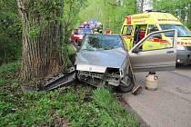Havárie osobního vozidla mezi Smiřicemi a Černožicemi.