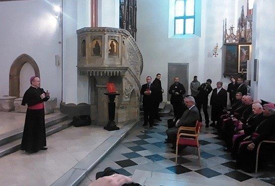 Královéhradecký biskup Jan Vokál vítá prezidenta vHradci