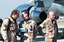 Na letišti v Kábulu v pátek přistála první část třetího kontingentu vojenské polní nemocnice z Olomouce, střídá zde jednotku z hradecké nemocniční základny.