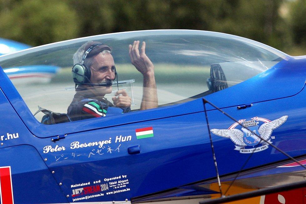 Peter Besenyei, Maďarsko. International Flying Display v Hradci Králové