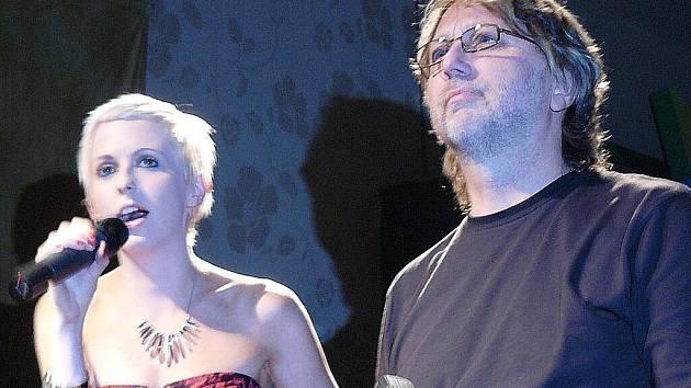 Jiřina Anna Jandová si na křtu zazpívala s otcem Daliborem Jandou duet.
