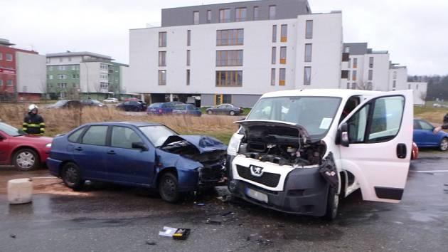 Dopravní nehoda v Hradci Králové - Dykova ul.