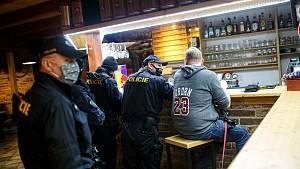 Policie v restauraci Na Soutoku v Hradci Králové