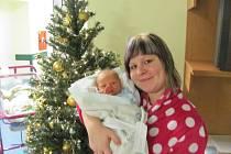 TOBIÁŠ SEIDL přišel na svět 11. prosince ve 21.16 hodin. Měřil 51 cm a vážil 3200 g. Velice potěšil rodiče Michaelu a Jakuba Seidlovy z Hradce Králové. Doma se také těší sestřička Vanesa.