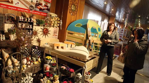 Prodejní výstava Jarní inspirace v královéhradeckém kongresovém centru Aldis.