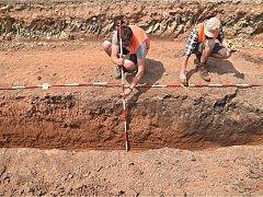 U Trotiny se pod povrch silnice podívali nejen silničáři, ale i archeologové.