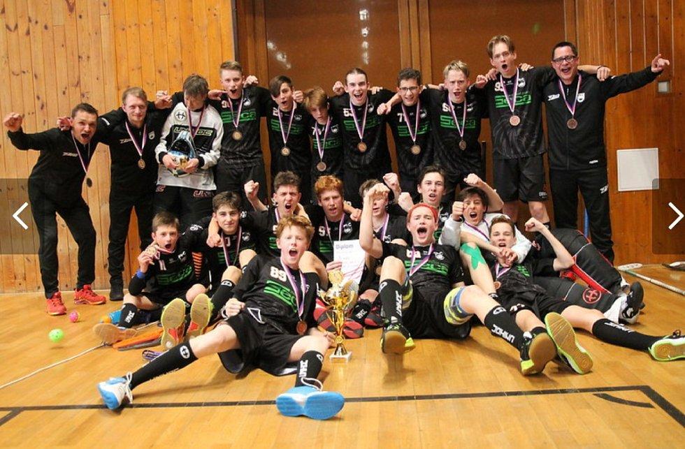 Skvělý úspěch mladých hradeckých florbalistů - bronz z mistrovství České republiky!