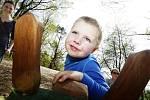 U rozhledny ve Vysoké nad Labem otevřeli k nové sezoně také dětské hřiště