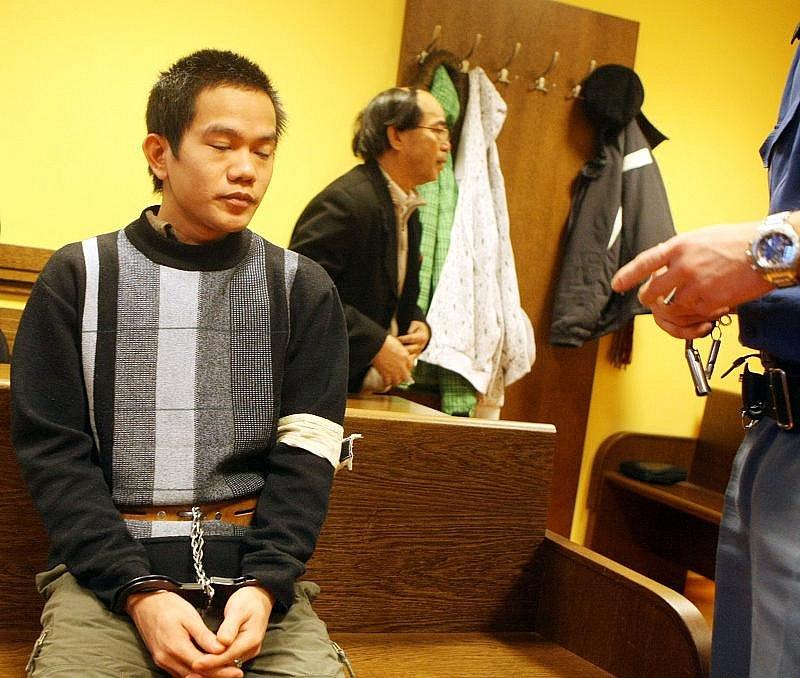 Vietnamec Hung Van Bui před hradeckým soudem obžalovaný z pokusu o vraždu.