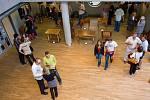 Výstava studentů ve Studijní a vědecké knihovně.