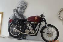 Výstava motocyklů připomněla oblíbené závody.
