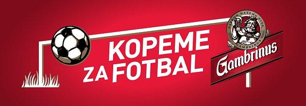 Kopeme za fotbal.