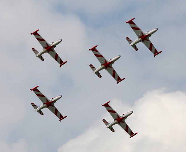 Akrobatická skupina Hvězdy - Srbsko. International Flying Display v Hradci Králové
