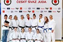 Výprava hradeckého Judo Clubu na MČR družstev v Jablonci nad Nisou.