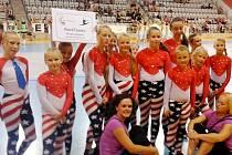Hradecký tým RockTeens na mistrovství světa v mažoretkovém sportu v Praze.