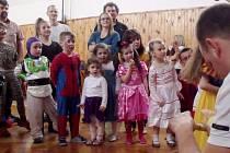 Dětský karneval v budově sokolovny TJ Slavoj Svobodné Dvory.