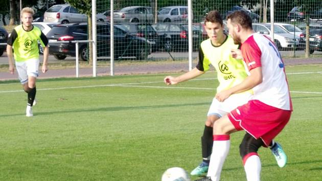 Krajský přebor ve fotbale: FC Slavia Hradec Králové - FK Jaroměř.