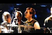 Hradecký hudebník si zahrál na koncertě U2.