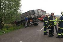 K tragické nehodě došlo v pátek 6. srpna krátce před 16 hodinou mezi obcemi Výravy a Librantice.