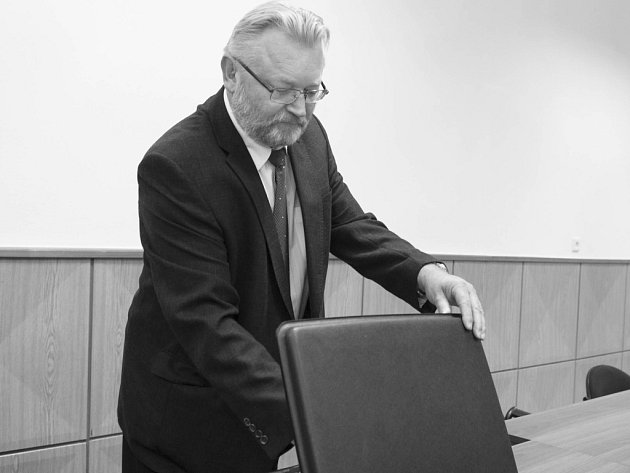 Rostislav Všetečka u Krajského soudu v Hradci Králové.