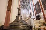 Mše v královéhradecké katedrále sv. Ducha, v místě uložení relikvie s ostatky papeže Jana Pavla II.