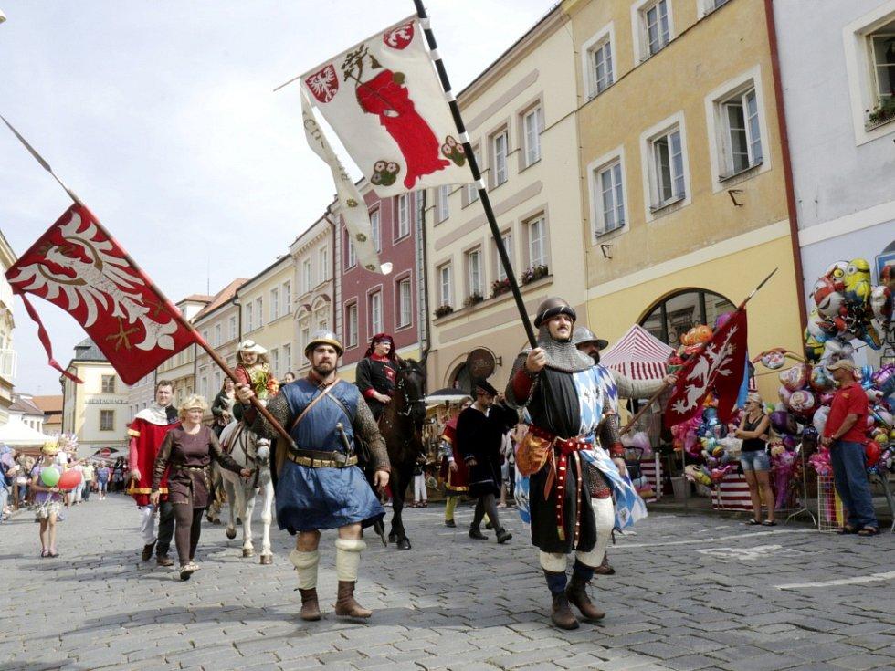 Slavnosti královny Elišky v historickém centru Hradce Králové.