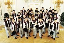 Boni pueri ve Španělském sále na Pražském hradě.