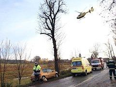Havárie automobilu Peugeot v Nechanicích.