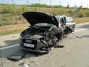 Dopravní nehoda dvou osobních vozidel na dálnici D11 na úrovni obce Klamoš.