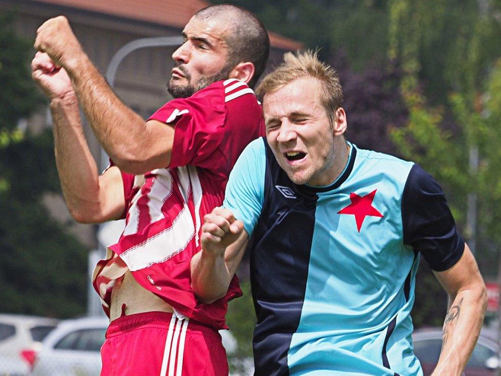 Josef Mokrý (v červeném).