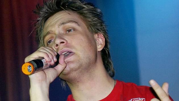 V průběhu soutěže krásy zazpíval i exSuperstar Michal Hudček