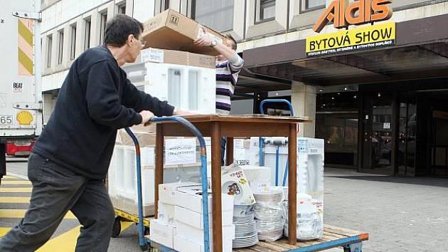 Přípravy na Bytovou show, která se koná v královéhradeckém Kongresovém centru Aldis.
