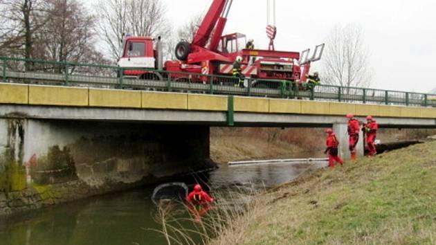 Havárie osobního automobilu u Třebechovic pod Orebem.