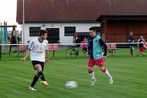 Krajský přebor ve fotbale: FK Vysoká nad Labem - FC Slavia Hradec Králové.