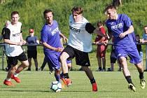 Na fotbal se dá o víkendu zajít prakticky do všech koutů hradeckého okresu.