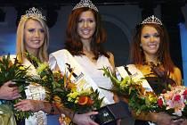 Miss Europe Junior 2007: zleva Aneta Hejkalová, vítězka Lucie Blažková, Kateřina Seidlová