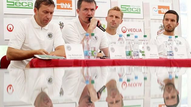 Z předsezonní tiskové konference prvoligového fotbalového klubu FC Hradec Králové.