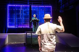 Klicperovo divadlo v Hradci Králové připravilo premiéru divadelní hry Spáč ve Studiu Beseda.