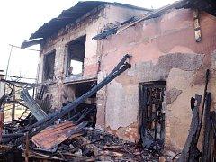 Požár rodinného domu v Libřicích.