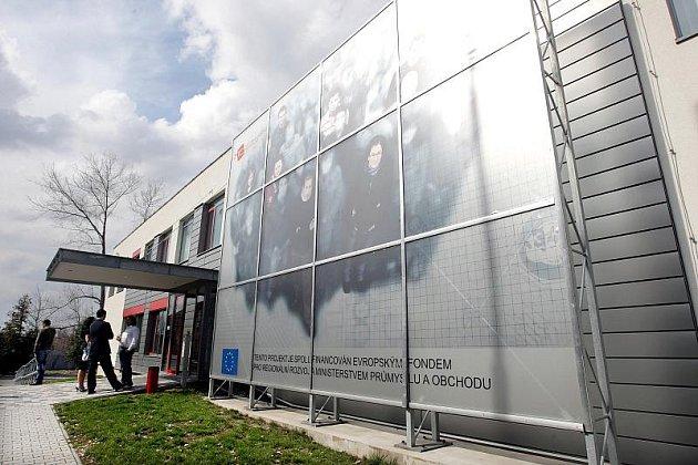 Technologické centrum na hradeckém letišti.