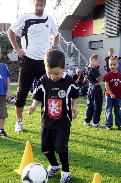Nábor dětí do fotbalového klubu FC Hradec Králové na hřišti Bavlna.