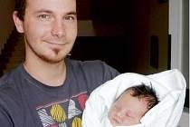 NATÁLIE DAŇKOVÁ spatřila světlo světa v neděli 25. května v 17.44 hodin. Měřila 48 cm a vážila 3270 g. Z nového přírůstku do rodiny se radují rodiče Pavlína a Antonín Daňkovi z Pohřebačky.